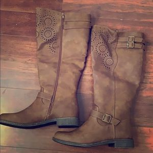 Laser Cutout Buckle Boots